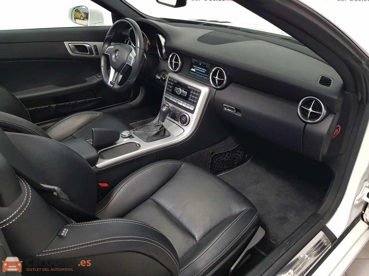 9 - Mercedes SLK Class 2014 - AUTO - CABRIO