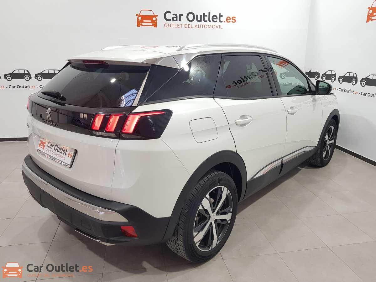 6 - Peugeot 3008 2016