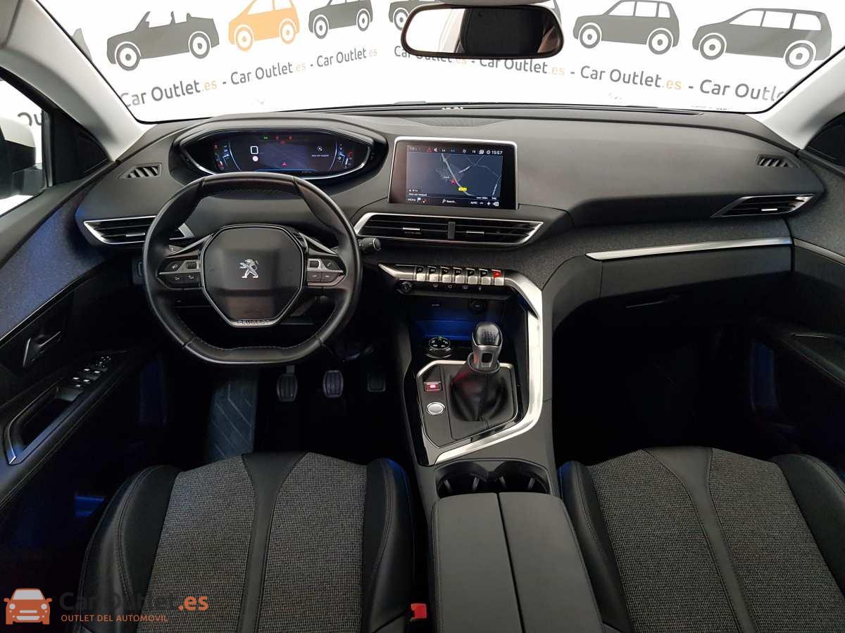 13 - Peugeot 3008 2016