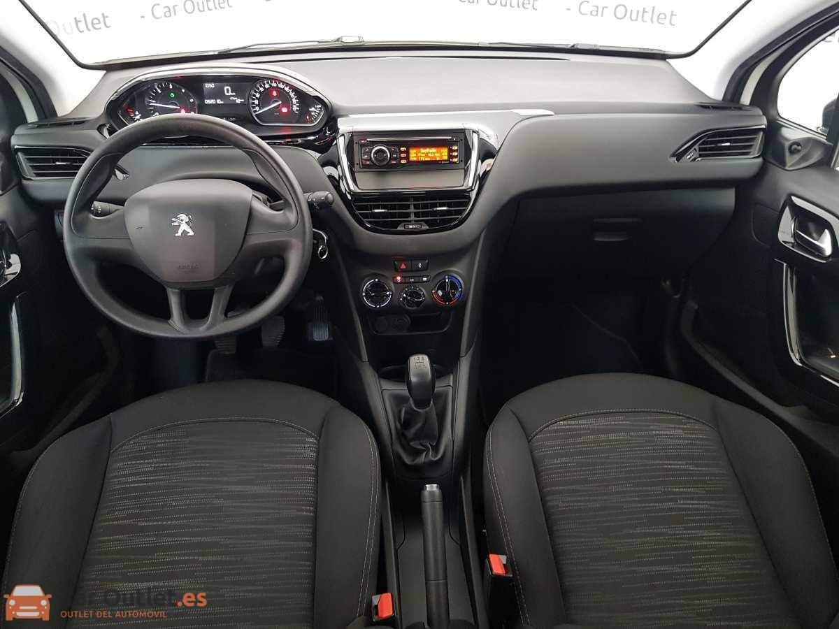 10 - Peugeot 208 2016