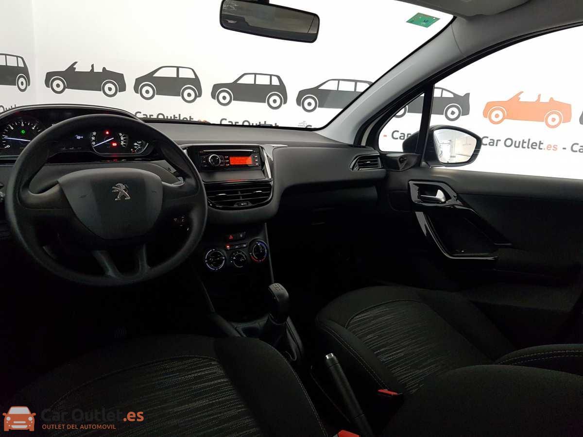 11 - Peugeot 208 2016
