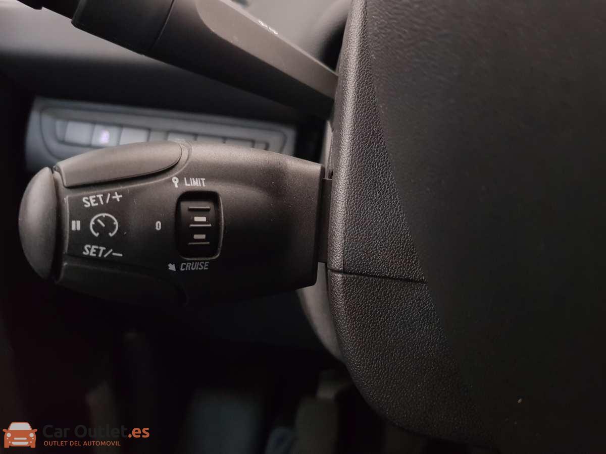 17 - Peugeot 208 2016