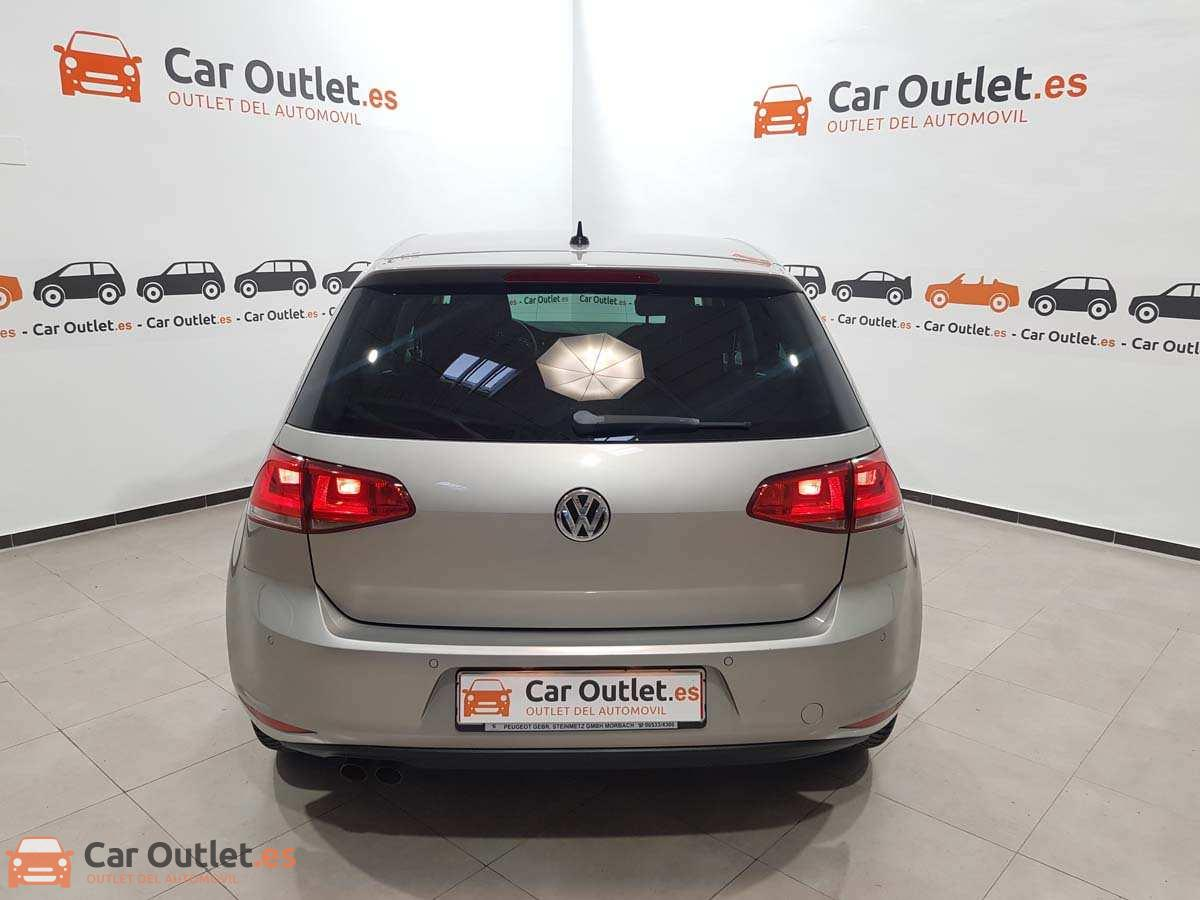 6 - Volkswagen Golf 2015 - AUTO