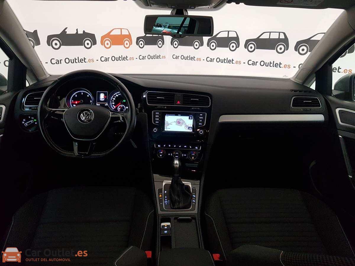 10 - Volkswagen Golf 2015 - AUTO