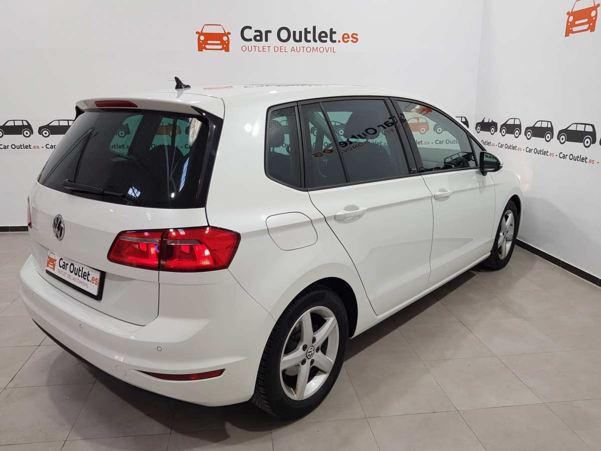 5 - Volkswagen Golf VII Sportsvan 2016 - AUTO
