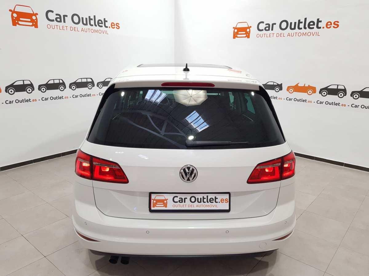 6 - Volkswagen Golf VII Sportsvan 2016 - AUTO