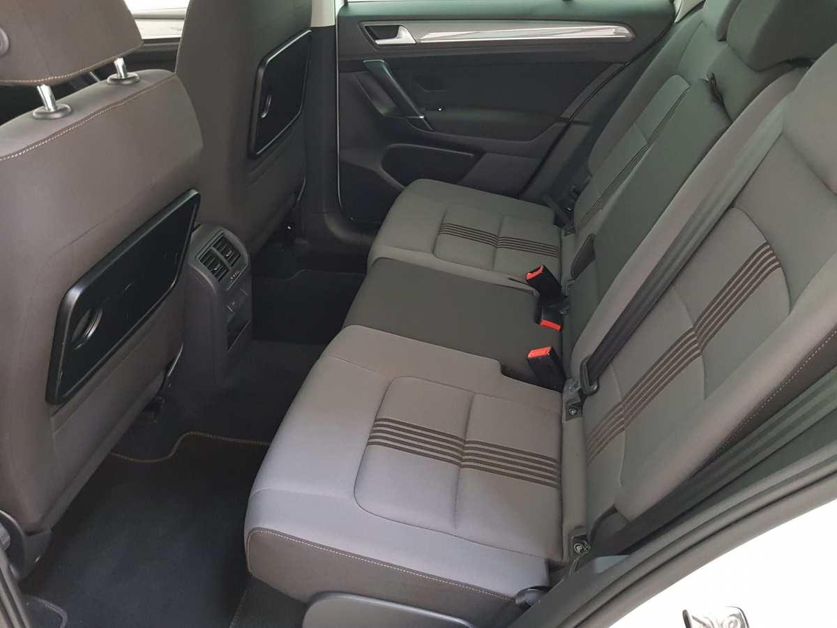 9 - Volkswagen Golf VII Sportsvan 2016 - AUTO