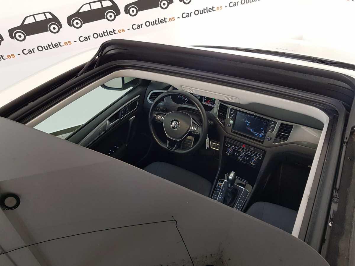 14 - Volkswagen Golf VII Sportsvan 2016 - AUTO