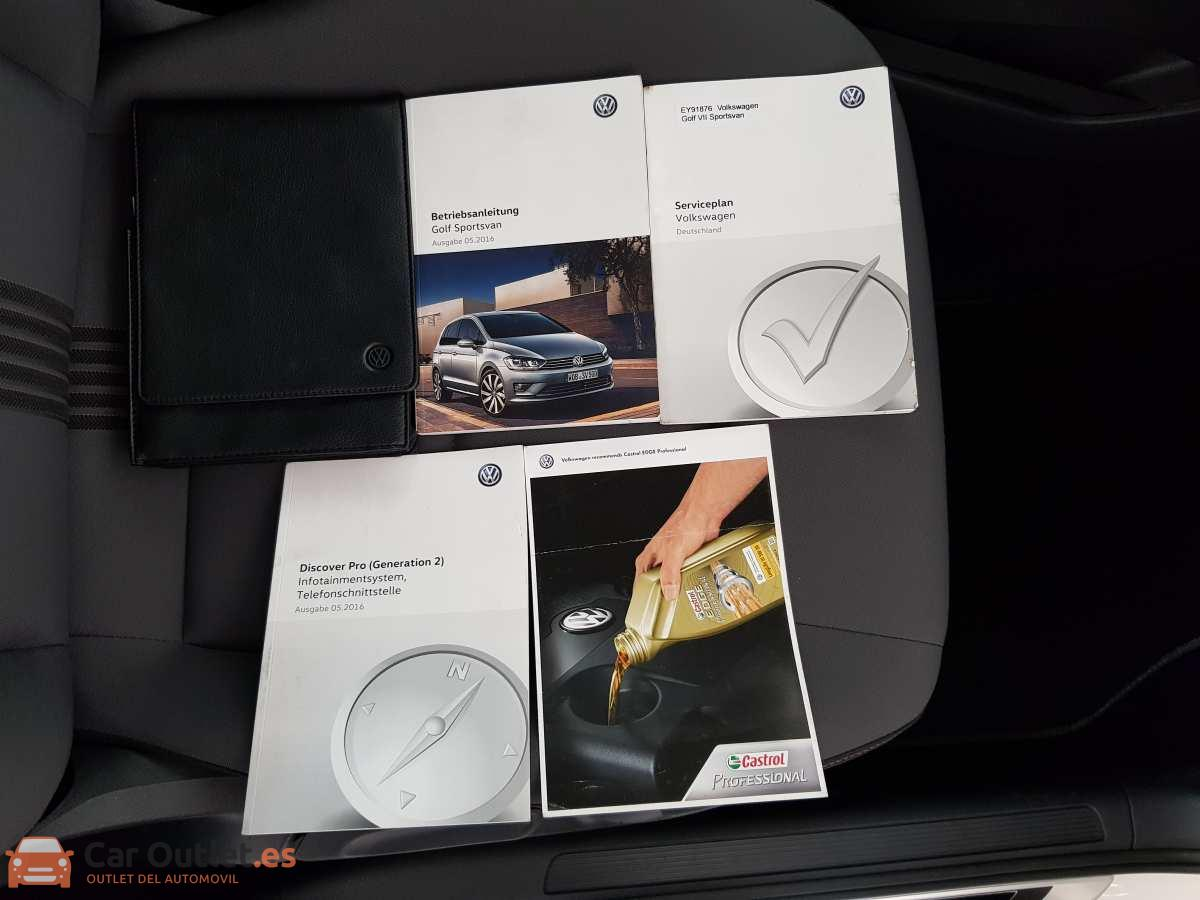 25 - Volkswagen Golf VII Sportsvan 2016 - AUTO