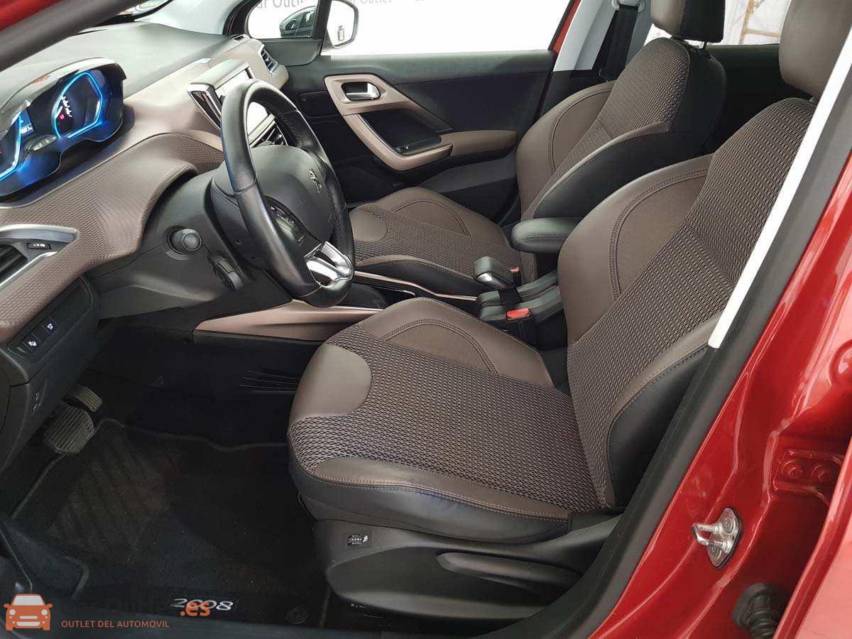 8 - Peugeot 2008 2016 - AUTO