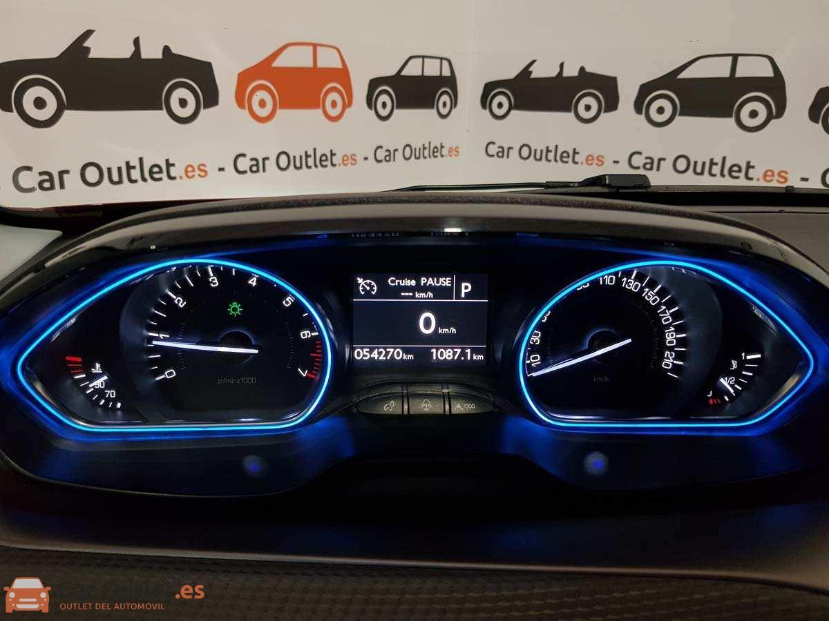 16 - Peugeot 2008 2016 - AUTO