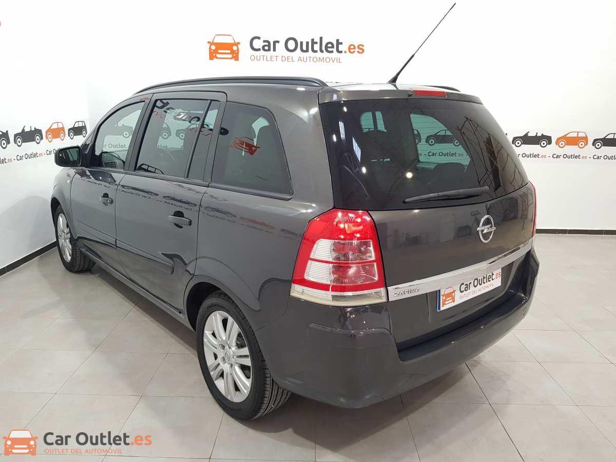 7 - Opel Zafira 2013