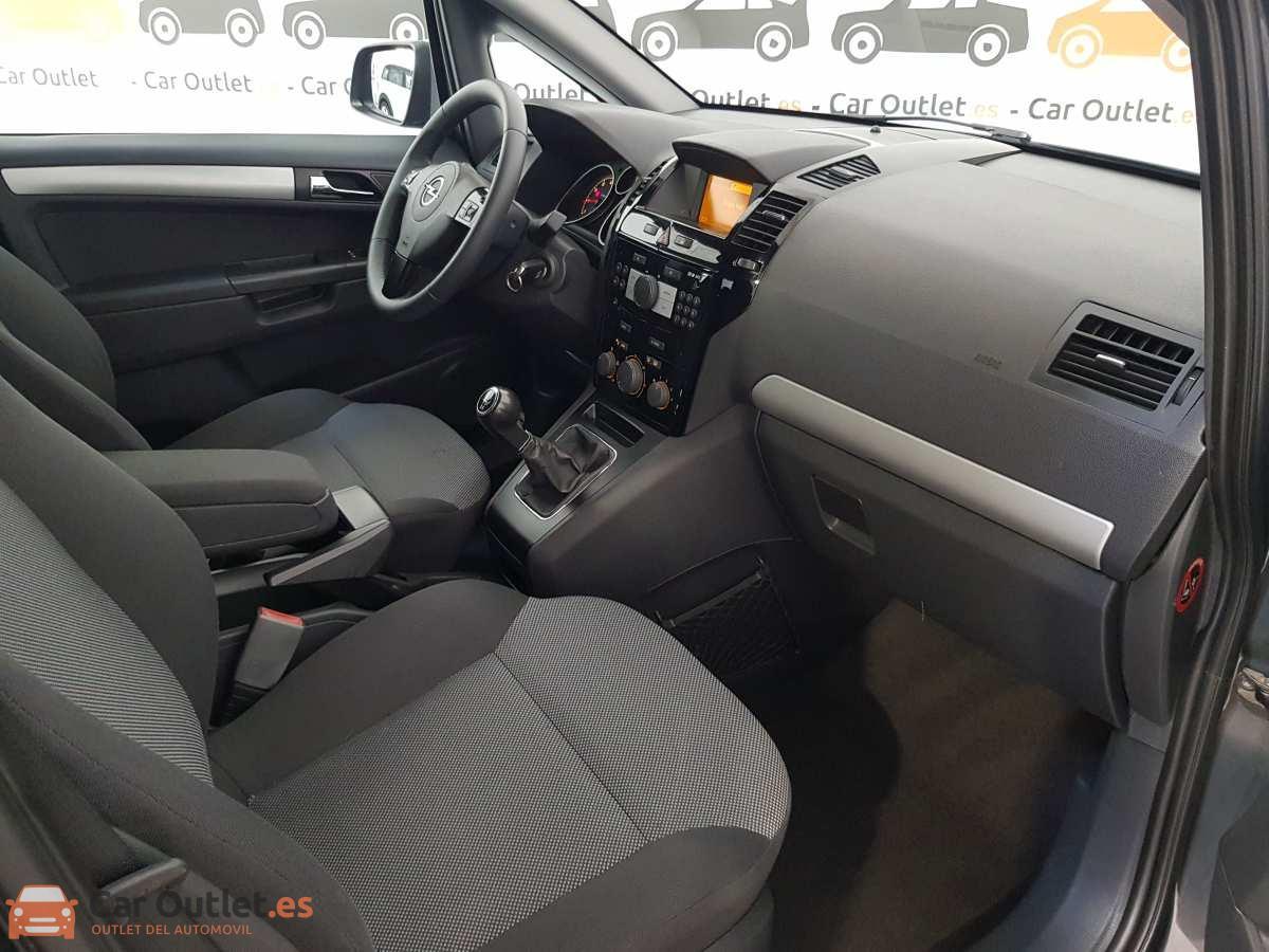 11 - Opel Zafira 2013