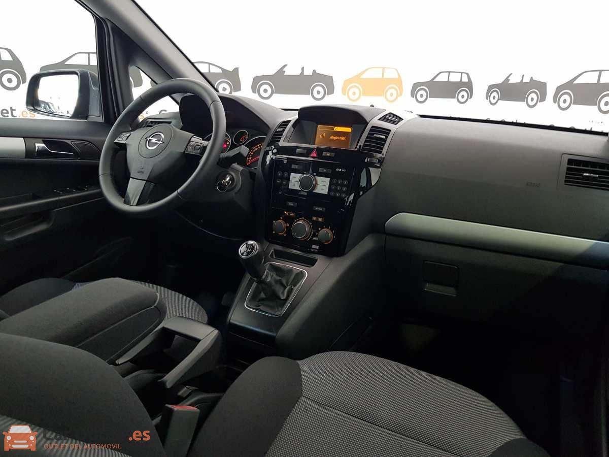 13 - Opel Zafira 2013