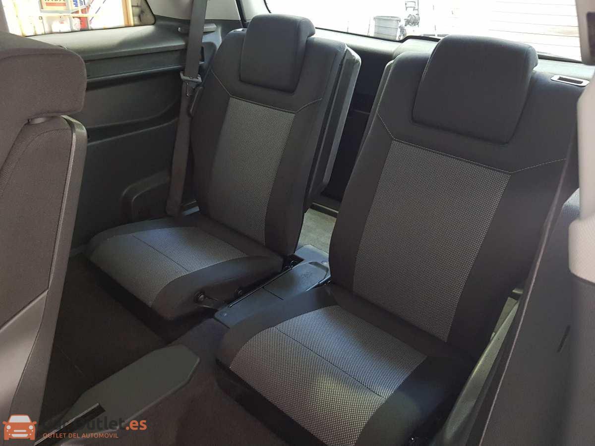 14 - Opel Zafira 2013