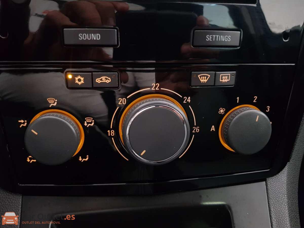 19 - Opel Zafira 2013