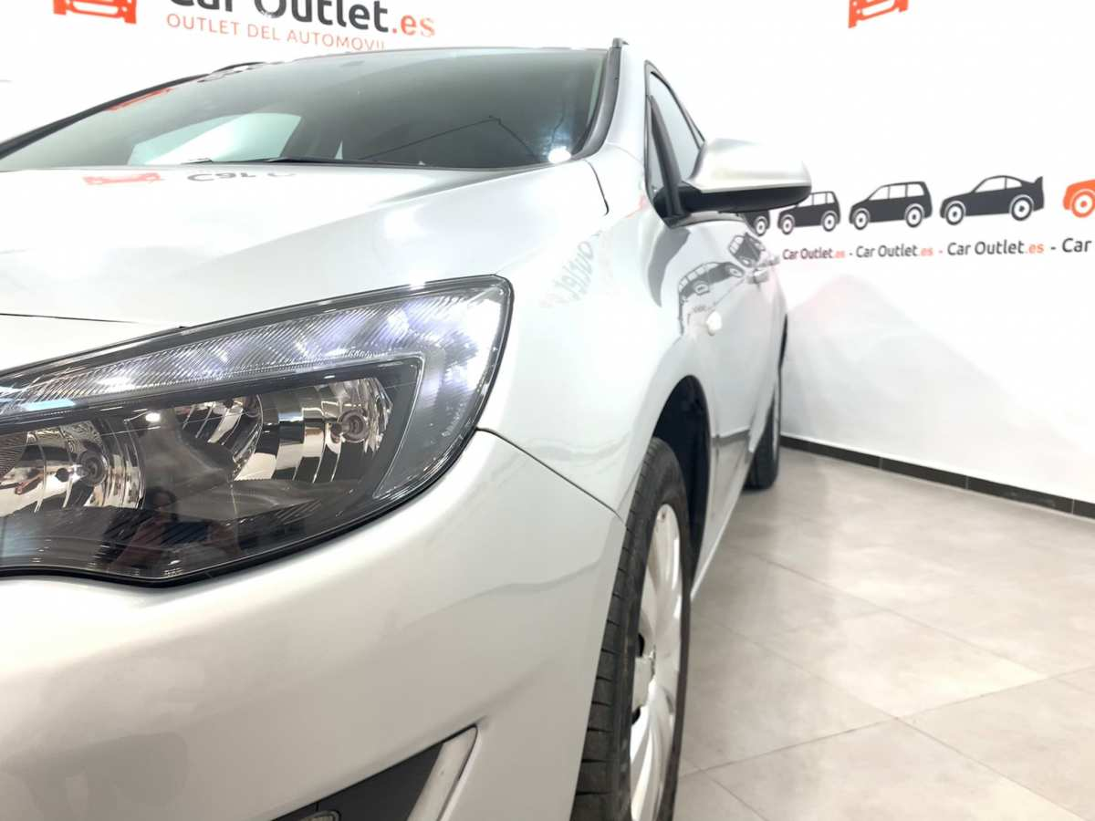4 - Opel Astra 2013