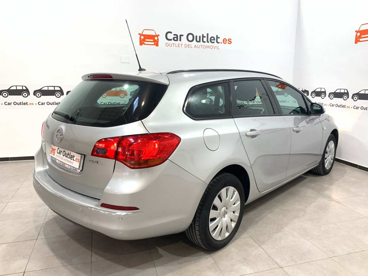 5 - Opel Astra 2013
