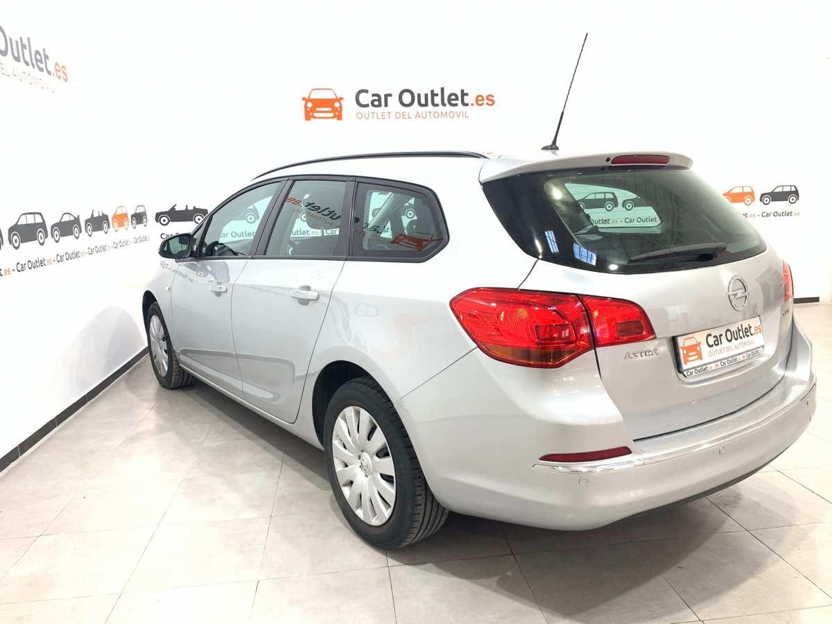 7 - Opel Astra 2013
