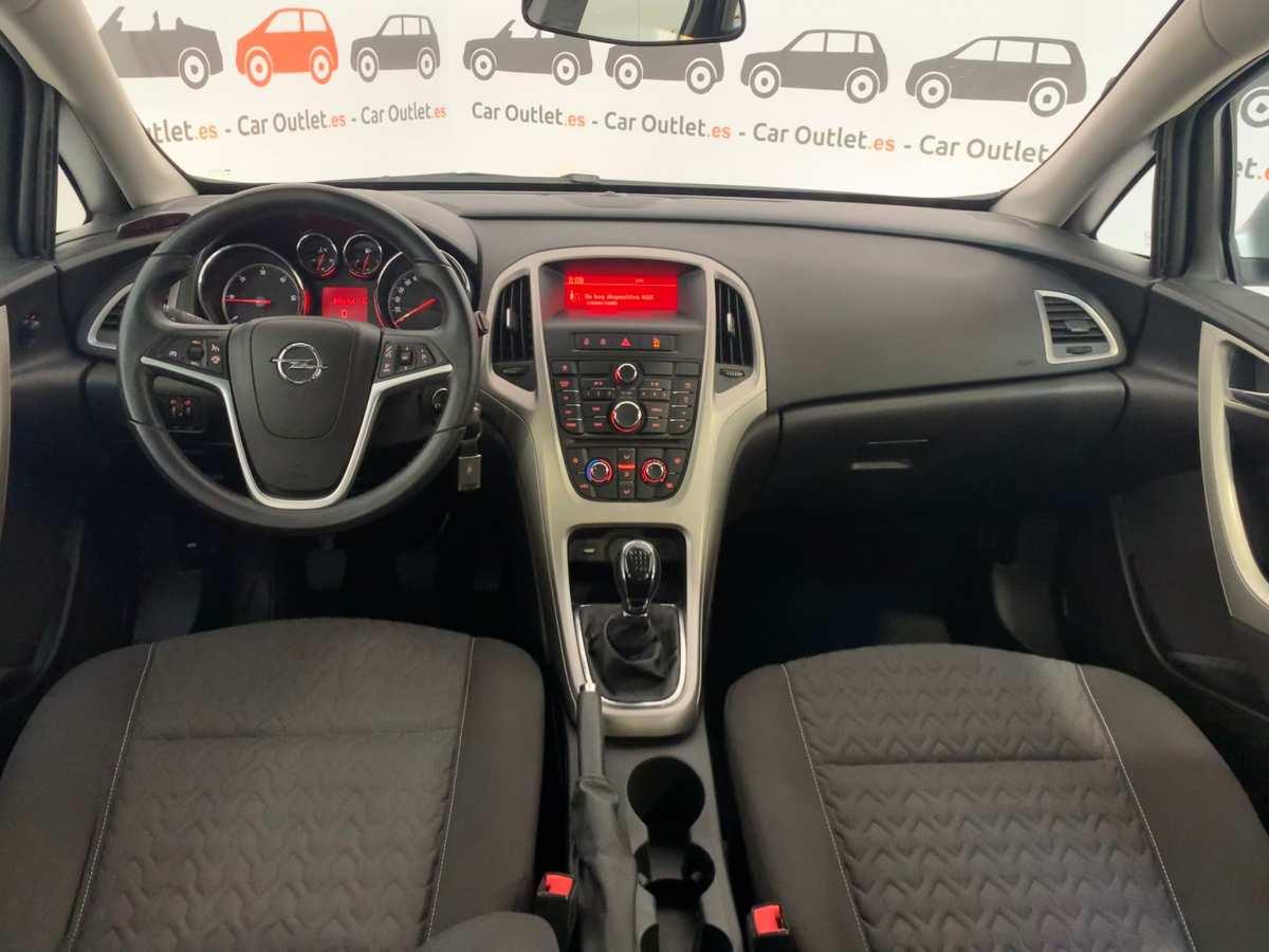 8 - Opel Astra 2013