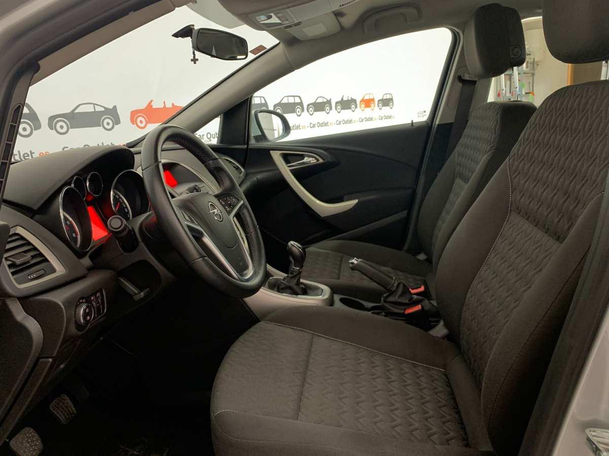 11 - Opel Astra 2013