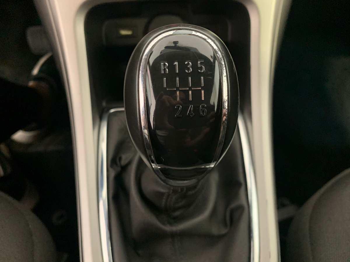 16 - Opel Astra 2013