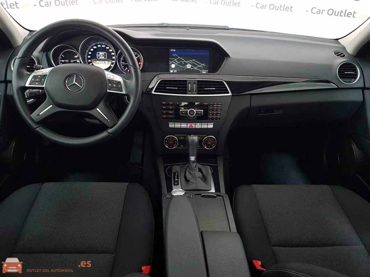 8 - Mercedes C Class 2011 - AUTO
