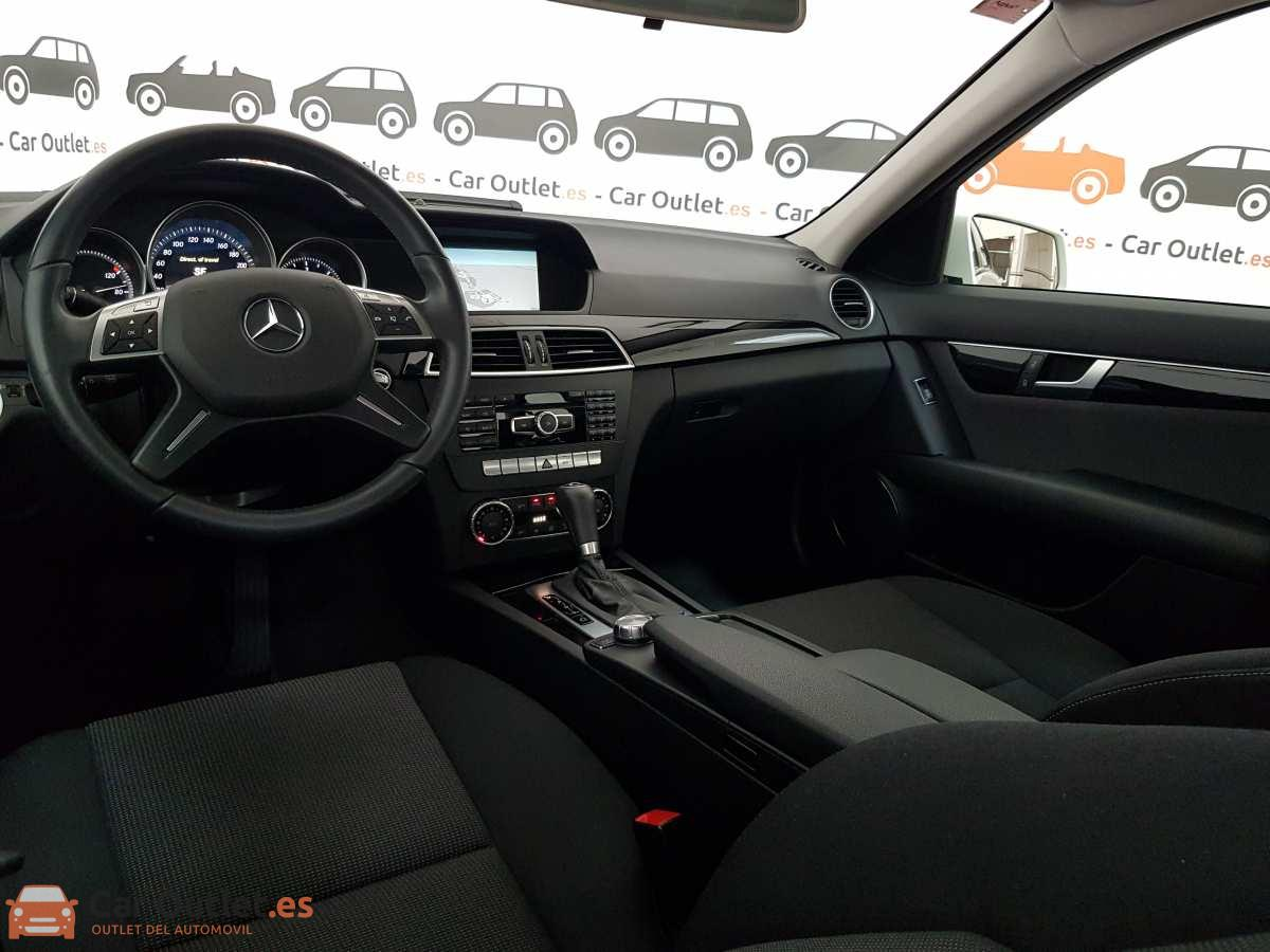 11 - Mercedes C Class 2011 - AUTO