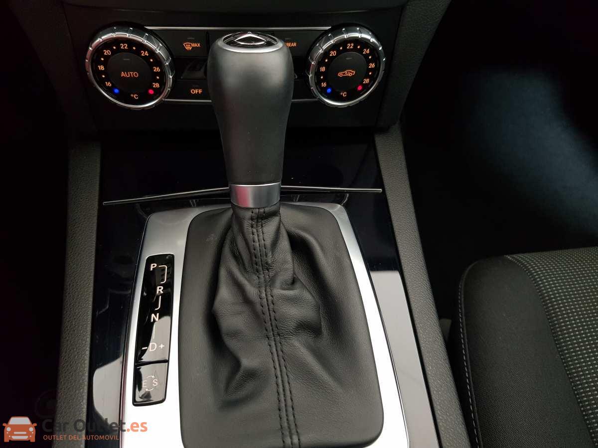 21 - Mercedes C Class 2011 - AUTO