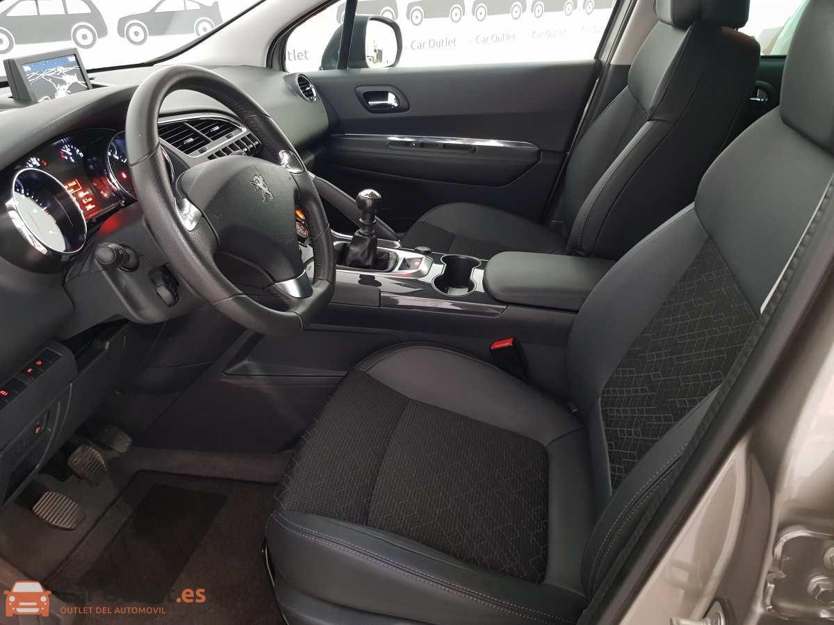 9 - Peugeot 3008 2016