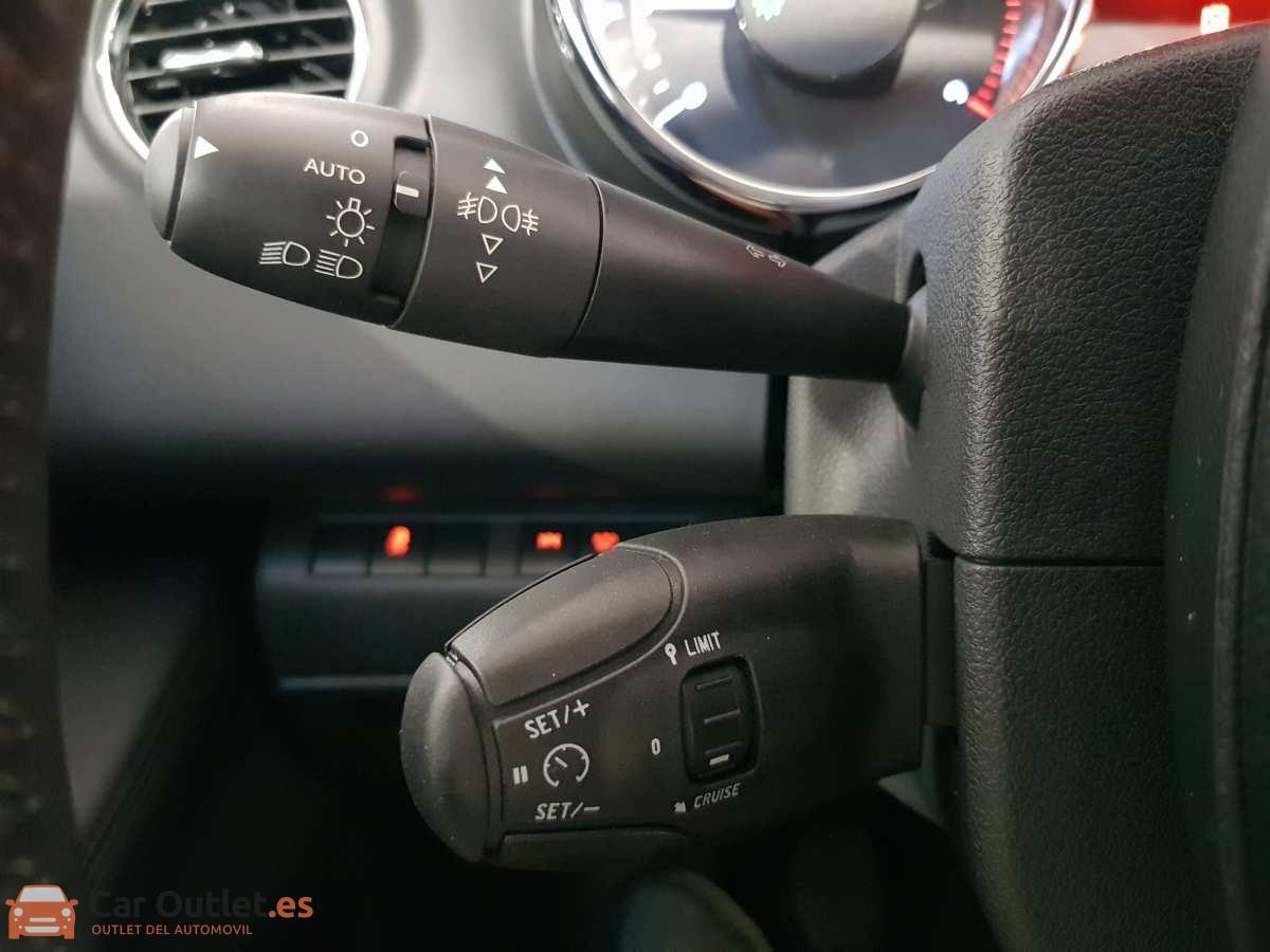 21 - Peugeot 3008 2016