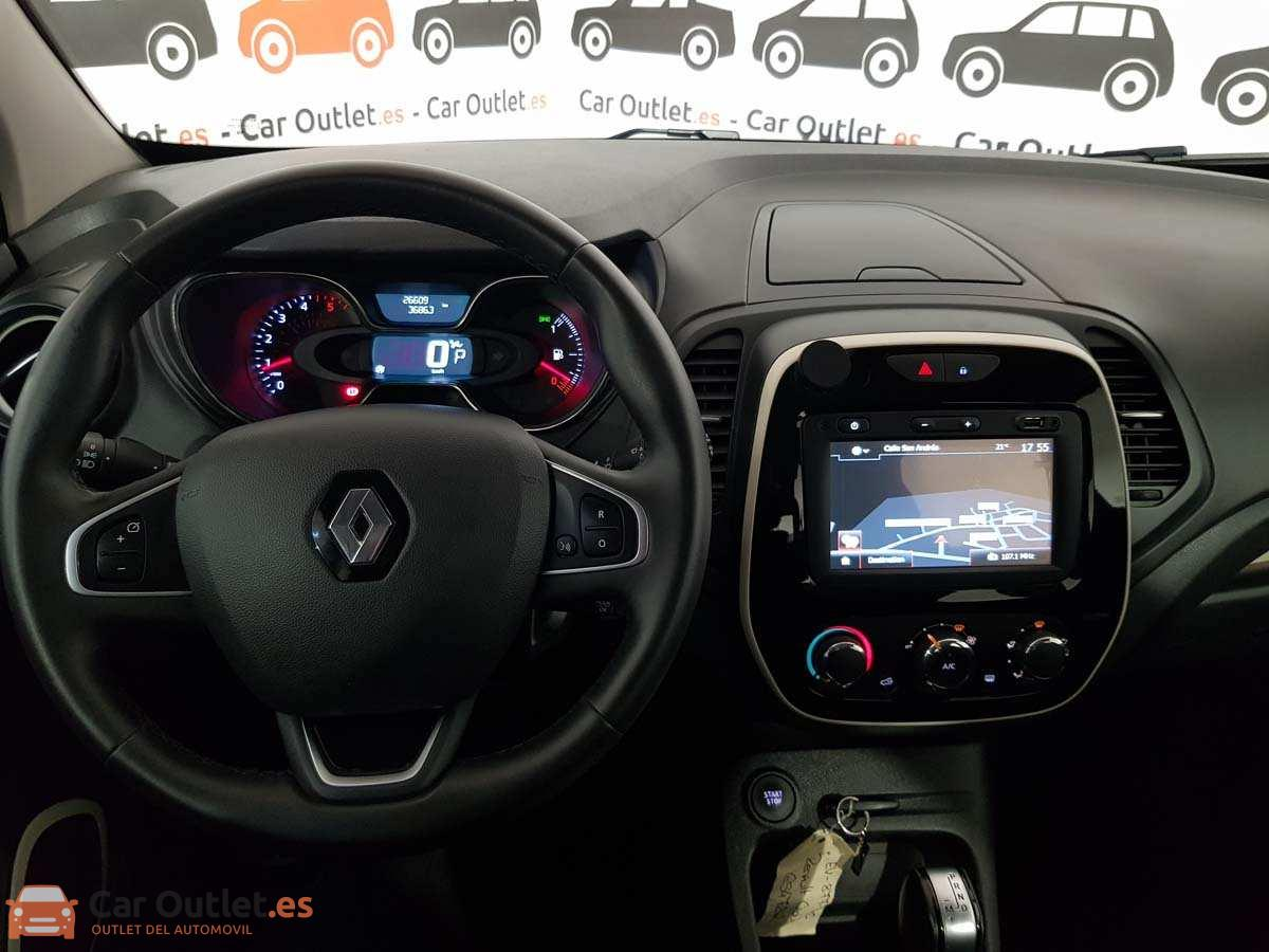 11 - Renault Captur 2018 - AUTO