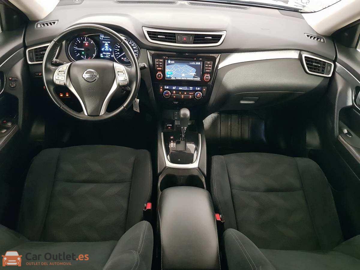 10 - Nissan X Trail 2015 - AUTO