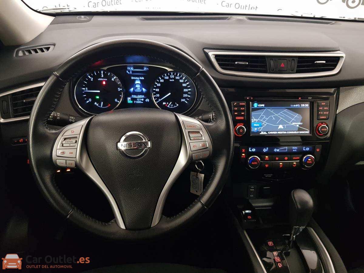 11 - Nissan X Trail 2015 - AUTO