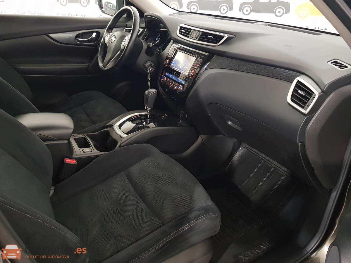 14 - Nissan X Trail 2015 - AUTO